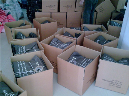 Packing On The Export Standard Carton